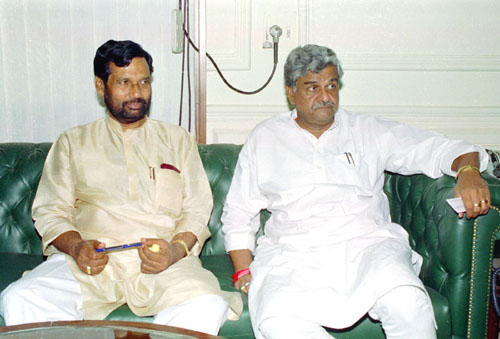The Minister of State for Home Affairs, Shri Sriprakash Jaiswal calls on the Union Minister for Chemicals and Fertilizers, Steel, Shri Ram Vilas Paswan to discuss revival of Duncan Industries Limited, Kanpur, in New Delhi on March 22, 2005