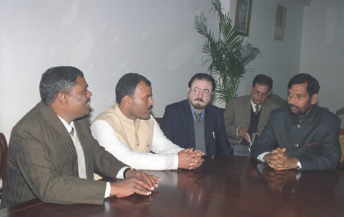 A delegation led by the President, Peoples Rights Forum of Nepal, Shri Upendra Yadav calls on the Union Minister for Steel, Chemicals & Fertilizers, Shri Ram Vilas Paswan in New Delhi on December 5, 2005