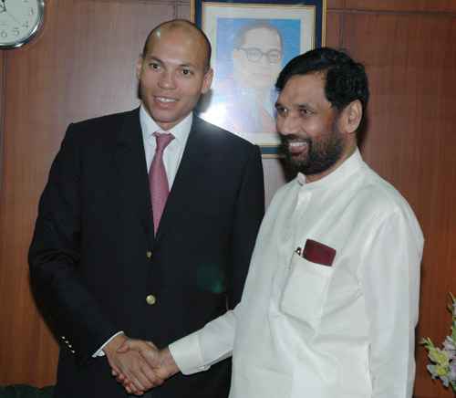 The Special Advisor to the President of Senegal, Mr. Karim Wade meeting with the Union Minister for Steel, Chemicals and Fertilizers, Shri Ram Vilas Paswan, in New Delhi on June 13, 2006