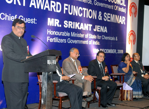 The Minister of State of Chemicals and Fertilizers, Shri Srikant Jena addressing at the Export Award function, organized by the Plastics Export Promotion Council, in Mumbai on December 19, 2009