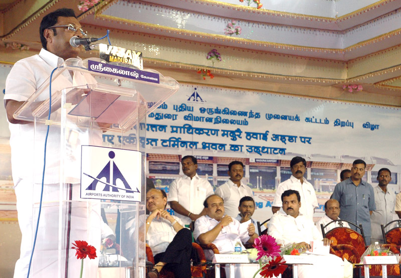 The Union Minister for Chemicals & Fertilizers, Shri M. K. Alagiri addressing the gathering at the inauguration of the newly built Integrated Terminal Building, at Madurai Airport, in Tamil Nadu on September 12, 2010