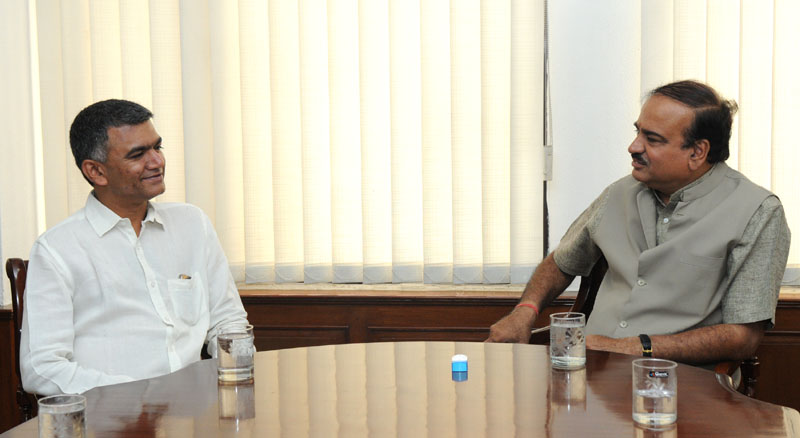 The Agriculture Minister of Karnataka, Shri Krishna Byre Gowda calling on the Union Minister for Chemicals and Fertilizers, Shri Ananthkumar, in New Delhi on June 12, 2014