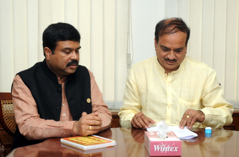 The Minister of State (Independent Charge) for Petroleum and Natural Gas, Shri Dharmendra Pradhan meeting the Union Minister for Chemicals and Fertilizers, Shri Ananthkumar, to discuss on Talcher Fertiliser Project, in New Delhi on September 26, 2014