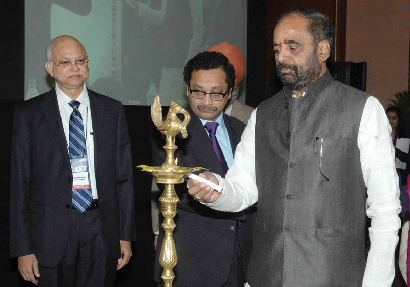 The Minister of State for Chemicals & Fertilizers, Shri Hansraj Gangaram Ahir lighting the lamp to Inaugurate the CII National Pharmaceutical Conclave, in New Delhi on December 12, 2014