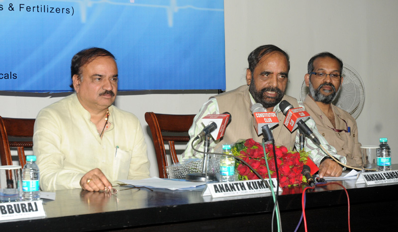 The Minister of State for Chemicals & Fertilizers, Shri Hansraj Gangaram Ahir addressing at the release of the Report of Task Force on High End Medical Devices and Pharmaceutical Manufacturing Equipment in the Country, in New Delhi on April 08, 2015. The Union Minister for Chemicals and Fertilizers, Shri Ananth Kumar is also seen.
