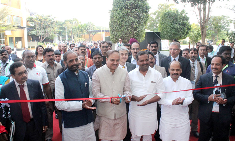 The Union Minister for Chemicals and Fertilizers, Shri Ananth Kumar inaugurating the India Medical Expo-2016, an exhibition for medical electronics and device sector, in Bengaluru on January 07, 2016. The Minister of State for Chemicals & Fertilizers, Shri Hansraj Gangaram Ahir, the Minister for Medical Education, Karnataka, Dr. Sharan Prakash Patil, the Secretary, Department of Pharmaceutical, Shri V.K. Subburaj and other dignitaries are also seen.
