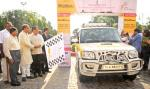 The Union Minister for Chemicals and Fertilizers, Shri Ananth Kumar along with the Minister of State for Youth Affairs and Sports (Independent Charge), Shri Sarbananda Sonowal flagging off the 1st All Women Trans Continental Road Expedition from Delhi