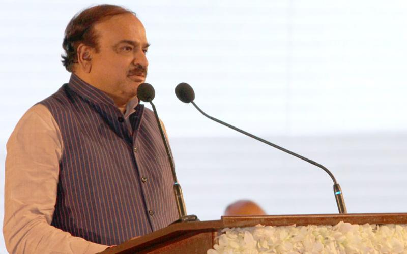 The Union Minister for Chemicals and Fertilizers, Shri Ananth Kumar addressing the inaugural function of the Invest Karnataka-2016, a three day global investors meet, organised by the Karnataka Government, at Bengaluru on February 03, 2016